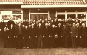 foto uit 1947, H.C. Verloop voorste rij, 3e van rechts